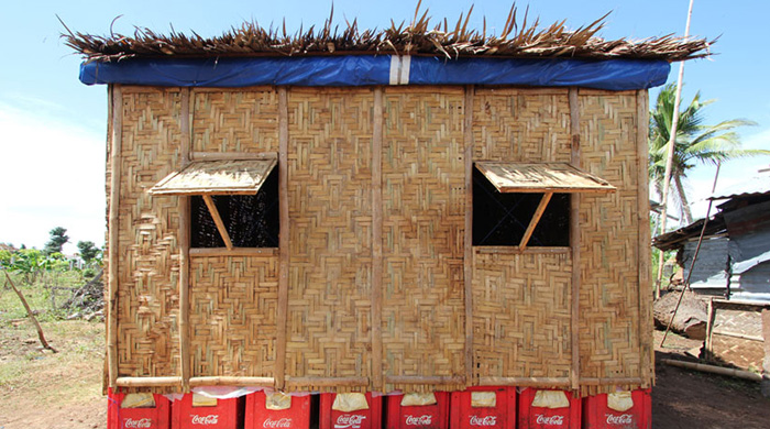 Shigeru Ban's inspiring paper houses for refugees in the Philippines