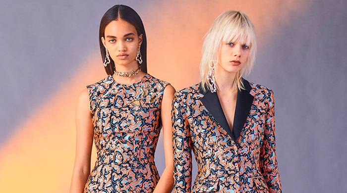 Discover Versace's Pre-Fall '17 collection