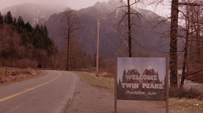 The cast of 'Twin Peaks' plead for David Lynch to return with personal video
